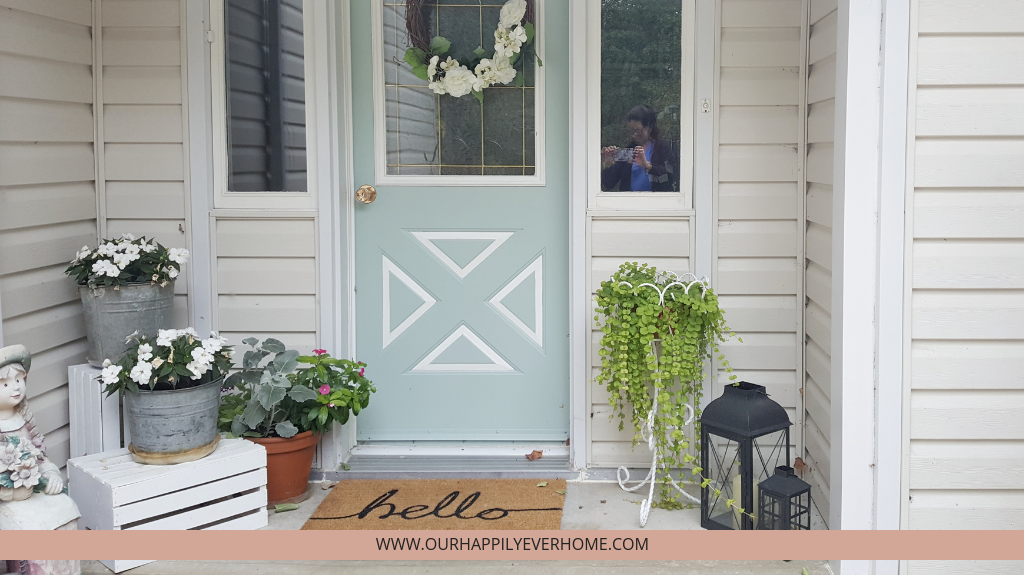 Home Decor blog, front porch with potted florals and greenery