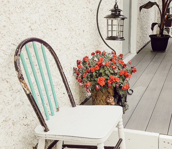 Vintage Chair Makeover with Spray Paint