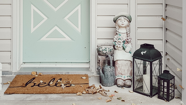 Use This Paint For A Beautiful Front Porch Door Makeover