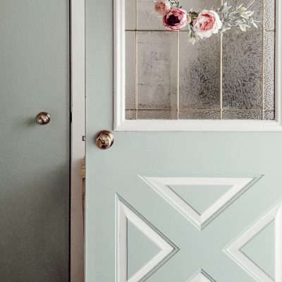 Here's a Quick Way To DIY Your Own Beautiful Spring Wreath